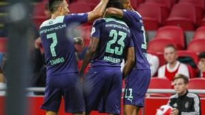 PSV geeft Ajax pak slaag en verovert Johan Cruijff Schaal
