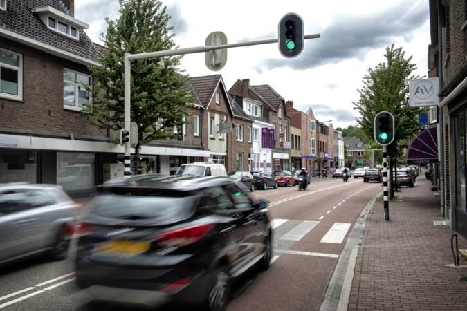 Afremmen verkeer in Amstenrade kan bewoners niet snel genoeg gaan: 'Als het nu niet gebeurt is ons geduld echt op'