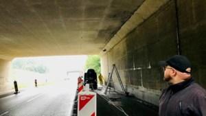 Graffitiartiest Roy Wagemans neemt A76-viaducten in Stein onder handen