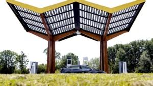 Snellaadbedrijf Fastned groeit door toename elektrische auto's