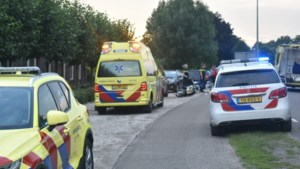 Scooter en auto botsen in Horst: traumahelikopter geland