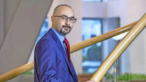 Econoom Edin Mujagic over afschaffing van goudstandaard: 'In halve eeuw zijn lonen van meeste mensen nauwelijks gestegen'