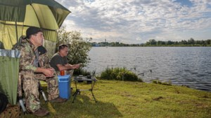 Noodkreet Sportvisserij Limburg: vissers in gedrang bij Maasplassen Roermond