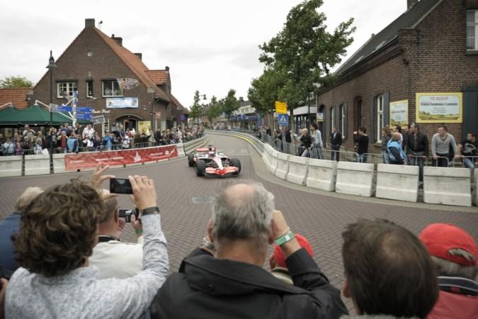 De 'Buttonburger', morrende ondernemers en een gebietst flesje bier: de 'Grand Prix van Roggel' in 2011 was onvergetelijk