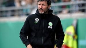 Weghorst helpt zijn trainer Van Bommel aan welkome zege