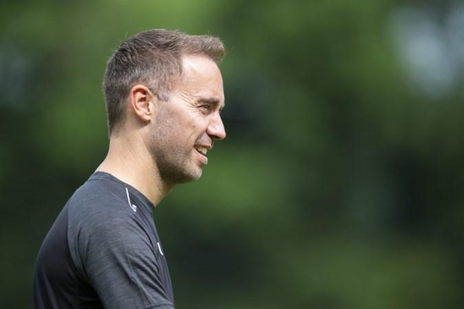 Trainer Sjors Ultee heeft tumultueuze voorbereiding achter de rug: 'Ik heb veel huilende Fortuna-spelers gezien'