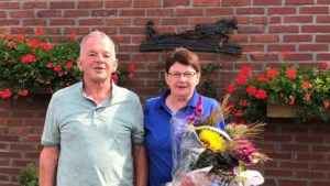Wethouder Bram Jacobs brengt bezoek aan gouden echtpaar