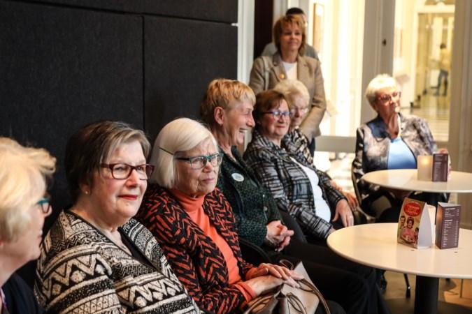 Tuinconcert is voor stichting Vier het Leven opmaat voor nieuwe theaterbezoeken met ouderen na lange corona-pauze