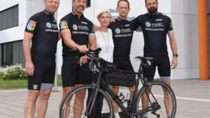 Politieagenten fietsen vanuit Selfkant dwars door Duitsland voor het goede doel