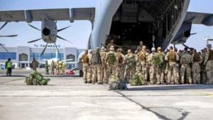 NAVO-vliegtuig met 35 Nederlanders onderweg van Kaboel naar Tblisi
