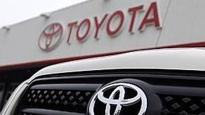 Toyota schroeft productie terug vanwege chiptekort