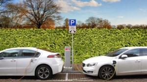 Aanleg laadpalen loopt in Limburg achter bij opmars elektrische auto's