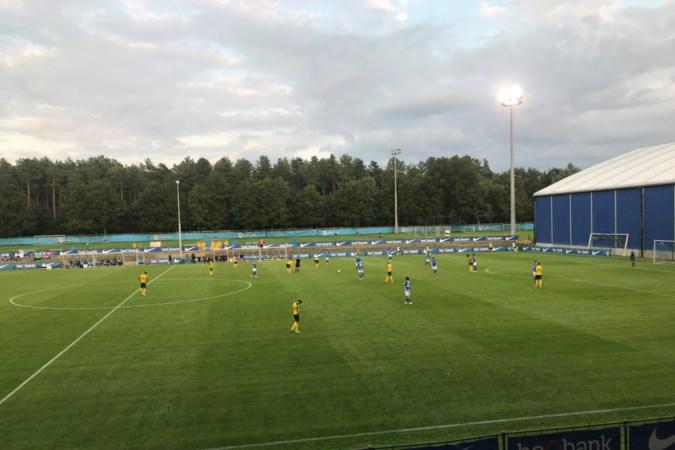 Ben Rienstra maakt zijn eerste 34 minuten weer in oefenduel van Fortuna met Genk