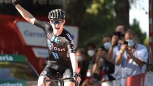 Wielrenner Storer bezorgt DSM eerste etappezege in Vuelta
