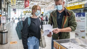 Het paspoort en het vliegticket zijn niet meer voldoende om te mogen vliegen