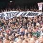 Feyenoord-fans niet onder de indruk van woorden Hugo de Jonge