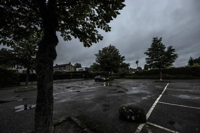 'Foute' parkeerplaats drijft buurt in Geleen tot wanhoop: 'Je wil niet weten wat we hier allemaal meemaken'