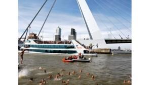 Zwemmen voor rivierschoonmaak in Maastricht
