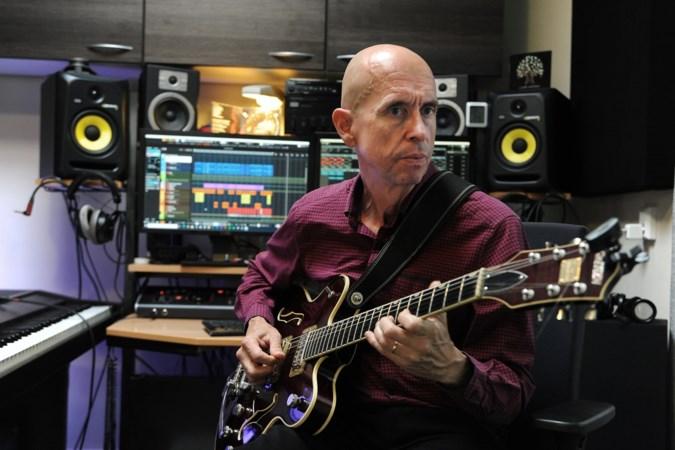 Hoe Frits Holtman (61) uit Tegelen zonder band toch een volwaardige cd kan uitbrengen
