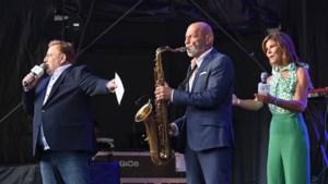 Burgemeester Prevoo opent op sax benefiet watersnood op Cauberg