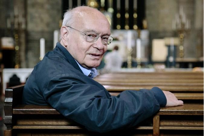 Pastoor John van Oss stopt in Schimmert en Genhout, maar krijgt geen opvolger