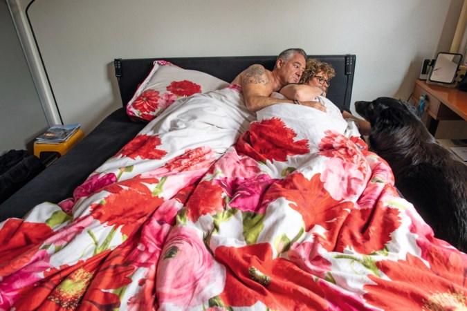 Als Sjef en Nicole uit Sittard uitslapen, doet herder Jack lekker mee