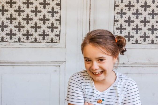 Petra schrijft openhartig over de zorg voor haar gehandicapte dochter Emi (9): voor begrip en zodat ze nog lang thuis kan blijven