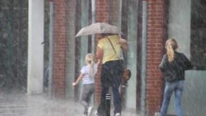 Laatste zomerweekend met vooral regen in het oosten