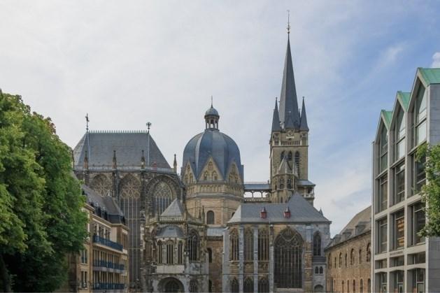 Merkel, Steinmeier und andere deutsche Staats- und Regierungschefs nehmen an der Flut-Gedenkfeier im Dom Achen teil