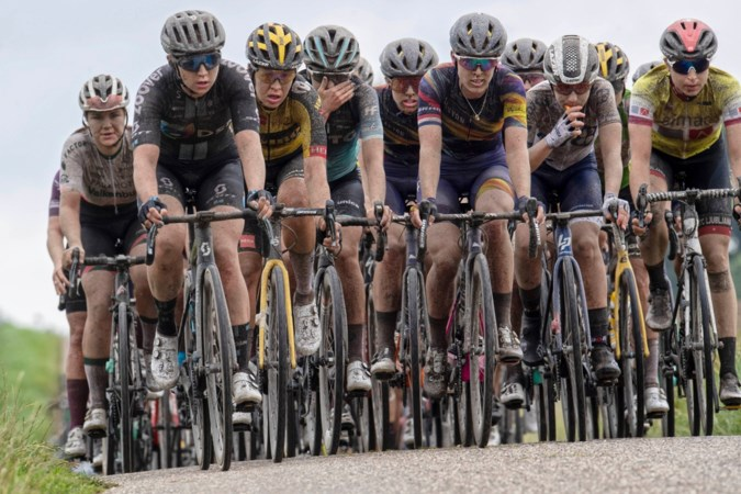 Loodzware etappe door Limburgse heuvels beslist Ladies Tour