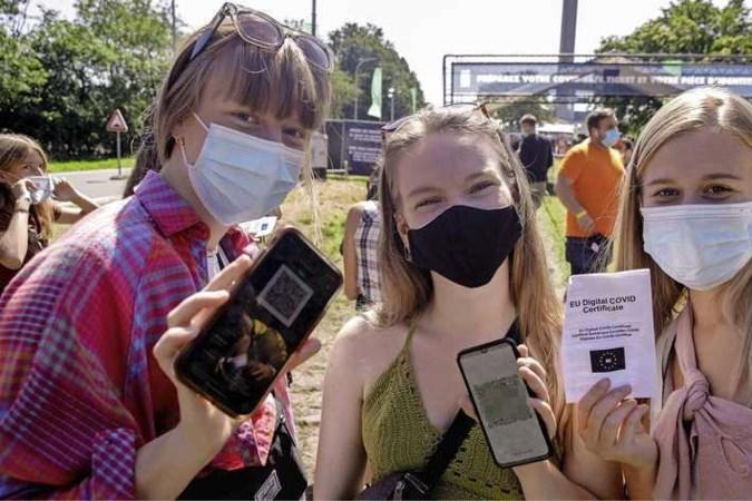 Feestgangers trekken de grens over: 'In Nederland mag niks'