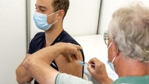 Vakbonden: verplichte vaccinatie van werknemers onacceptabel