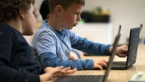 Politiek Den Haag niet blij met permanent onlineonderwijs