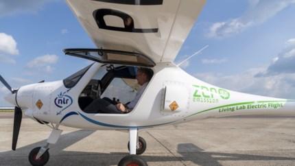 Bijzonder moment: eerste elektrische vliegtuig landt op vliegveld Beek