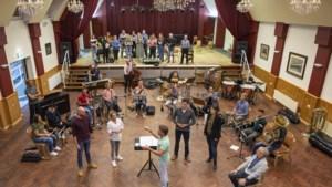 Hoop loopt als rode draad door voorstelling over alzheimer in theater Kerkrade