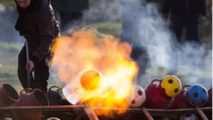 Carbidschieters in Bergen hoeven niet bang te zijn; gemeente wil coronarestricties weer schrappen