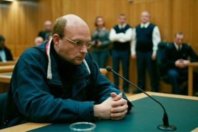 Recensie 'De veroordeling': media in het beklaagdenbankje