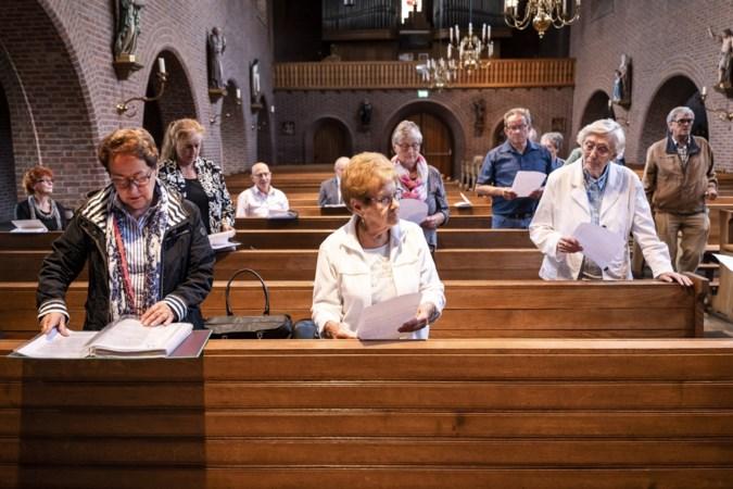 Kansen, bezorgdheid en nog even wennen: kerkkoren Baexem, Grathem, Leveroy en Kelpen-Oler samen vanwege krappe beurs