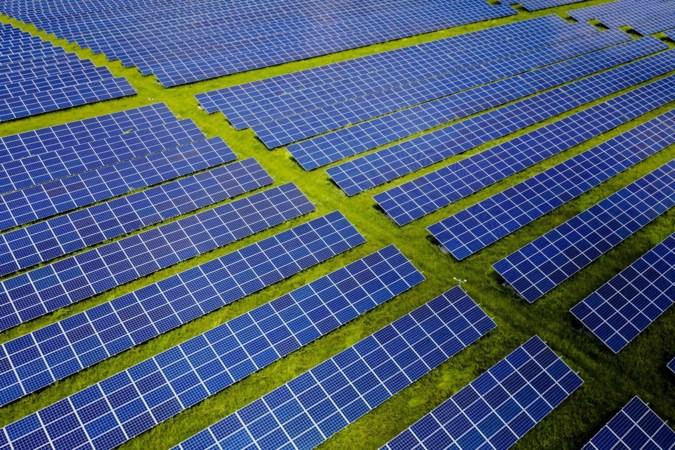 Bedrijf pleit opnieuw voor zonnepark langs autosnelweg A73 bij Venray