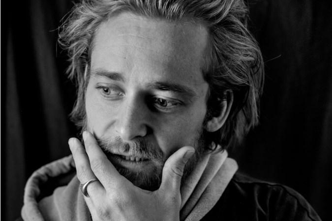 Terwijl de wereld stilstond, werkte acteur Matthijs van de Sande Bakhuyzen aan nieuwe series en films