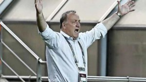 Remises Advocaat en Van Marwijk in WK-kwalificatie