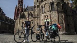Sam en Max per fiets op avontuur van Maastricht naar Hongkong om 'iets nuttigs te doen'