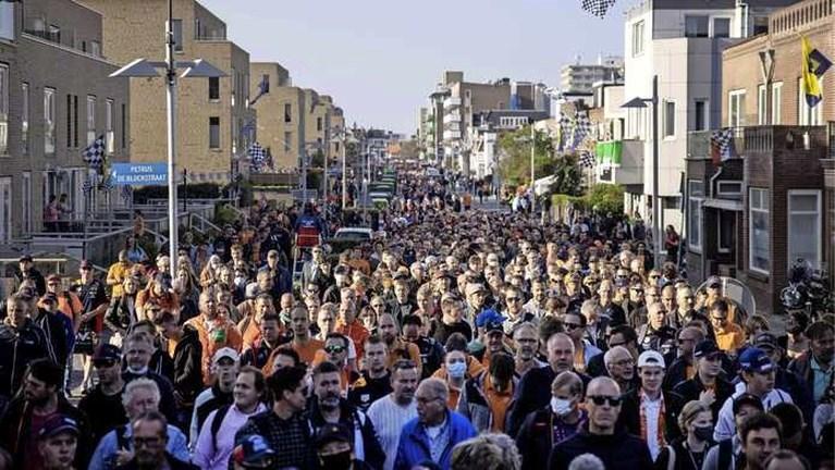 Tribunes lopen vol met oranje op circuit Zandvoort