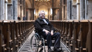 Zwaar zieke bisschop Harrie Smeets (60) doet zijn verhaal: 'Mensen vragen: waarom jij? Waarom ik níet?'