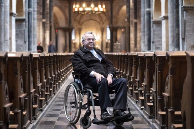 Nu het nog lukt wil ernstig zieke bisschop Harrie Smeets (60) zijn verhaal doen: 'Mensen vragen: waarom jij? Waarom ik níet?'
