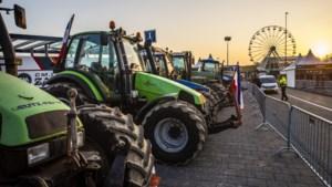 Boeren protesteren met tractoren bij circuit Zandvoort
