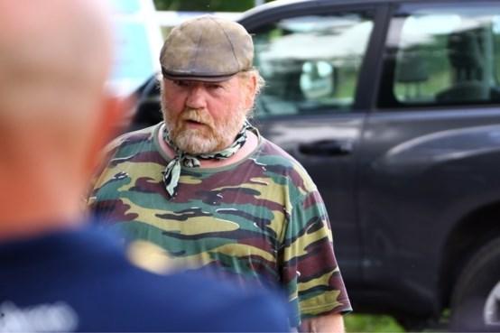 Jager die Jürgen Conings vond onder vuur: probeerde hij het machinepistool van de militair te stelen?