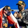 Charmeoffensief Lewis Hamilton op feestje Max Verstappen