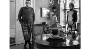 Patrick Buch schaamde zich weleens voor de boeken en seks-tv van zijn broers: 'Maar ze hebben, net als ik, veel bereikt in hun leven'