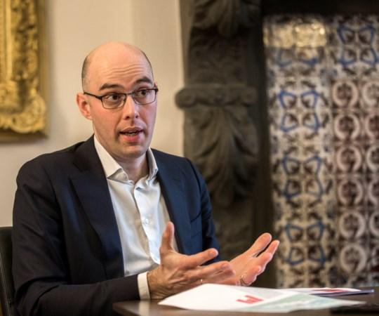 Plan voor megaloods in Maastricht: boze wijk richt pijlen op wethouder Krabbendam